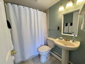 A bathroom at The Escape Inn