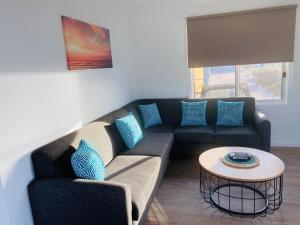A seating area at Venus Bay Beachfront Tourist Park South Australia