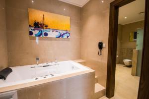 حمام في منتجع بلاد بونت