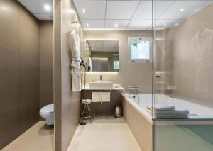 A bathroom at Hotel Areca
