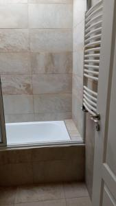 Un baño de Chacras de Sierra