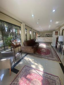 The lobby or reception area at Princesa Isabel Pousada e Hotel – Dom Pedro
