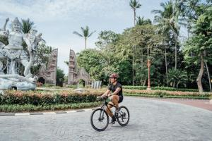Cycling at or in the surroundings of Courtyard by Marriott Bali Nusa Dua Resort