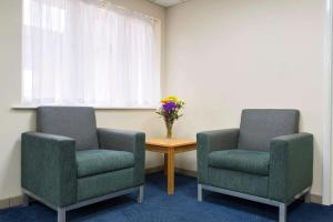 A seating area at Days Inn Sutton Scotney South