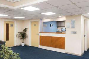 The lobby or reception area at Days Inn Sutton Scotney South
