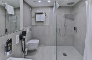 A bathroom at Ocak Hotel & Apartment