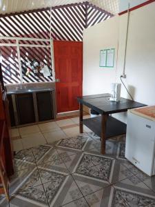 A kitchen or kitchenette at Yubarta Lodge