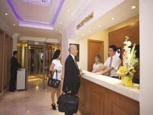 منطقة الاستقبال أو اللوبي في فندق سيتي