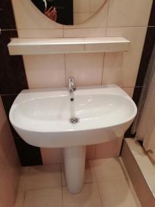"""Ванная комната в Отель """"Мраморный замок"""""""