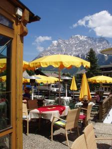A restaurant or other place to eat at Hotel Bergland