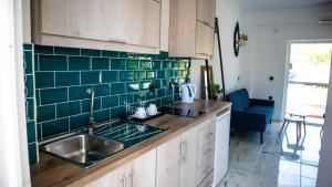 Küche/Küchenzeile in der Unterkunft Kalypso studio Resorts
