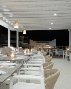Restaurant ou autre lieu de restauration dans l'établissement Mykonos Essence Hotel