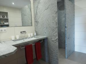 A bathroom at Birkholmhof