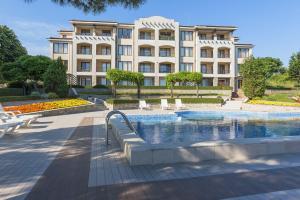 Het zwembad bij of vlak bij View Apartments