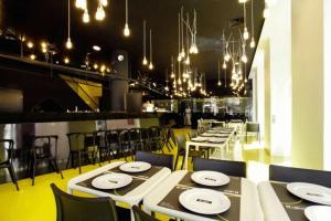 A restaurant or other place to eat at Design Guest House Goli & Bosi