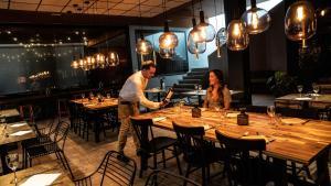 Restauracja lub miejsce do jedzenia w obiekcie Coral Cotillo Beach