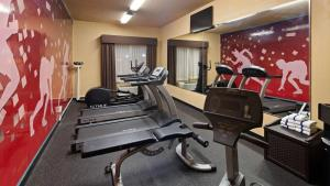 The fitness center and/or fitness facilities at Best Western Holiday Manor