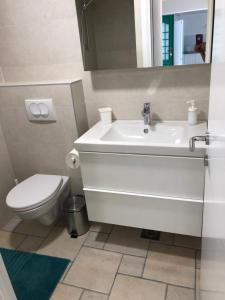 A bathroom at Steinhaus Dalmatien