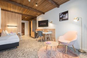 Ein Sitzbereich in der Unterkunft Alpenlove - Adult SPA Hotel