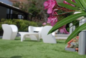 A garden outside Natur Hotel Tanca