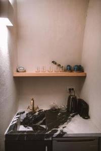 Küche/Küchenzeile in der Unterkunft Spitia Santorini Villa Collection