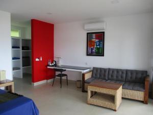 A seating area at Saracen Bay Resort