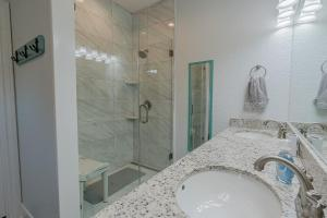 A bathroom at The Coast is Clear Amazing home in Sea Isle Short distance to the Beach