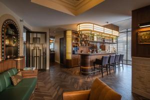 The lounge or bar area at Grand Hotel Valies
