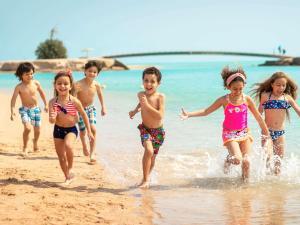 Семья в Movenpick Resort & Spa El Gouna