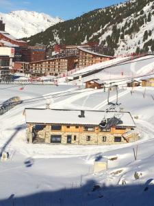 Chalet La Halle des Cascades - Mountain Collection during the winter