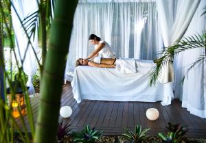 Spa and/or other wellness facilities at PortoBay Búzios