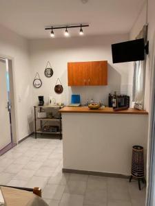 A kitchen or kitchenette at Moulinos Studios