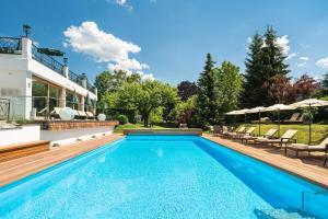 The swimming pool at or near Landsitz Römerhof - Hotel Apartments