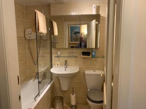 A bathroom at geraldsplace