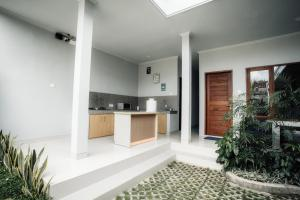 Dapur atau dapur kecil di A&W guest house