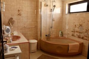 A bathroom at Casa Teresinha