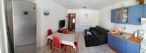 A kitchen or kitchenette at Apartment Marta