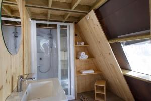 Een badkamer bij Tamarit Beach Resort