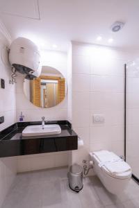 Ванная комната в Redcon Suites