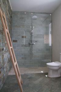 Uma casa de banho em Cantinho do Paraiso