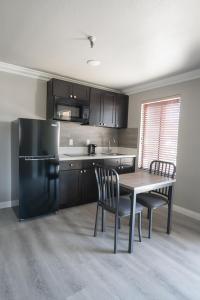 Dapur atau dapur kecil di Alexis Park All Suite Resort