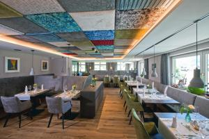 A restaurant or other place to eat at Hotel Truyenhof