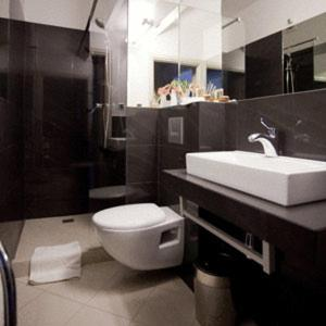 A bathroom at Comm Hotel Poznań Airport