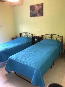 A bed or beds in a room at Marth House