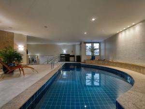 A piscina localizada em Mercure Belo Horizonte Lourdes ou nos arredores