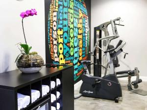 The fitness center and/or fitness facilities at Mercure Sao Paulo Paulista