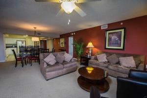 Barefoot Yacht Club Tower 1 504 4BR Condo