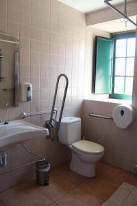 A bathroom at Casa Bolboreta