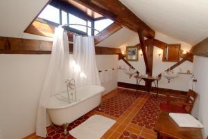 Salle de bains dans l'établissement Pavillon de Beauregard