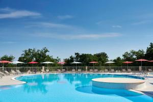 The swimming pool at or close to Villas Bellevue Plava Laguna